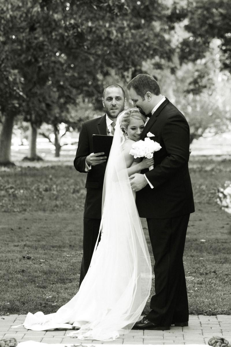 Metro Detroit Wedding Photographer www.harthenstudios.com